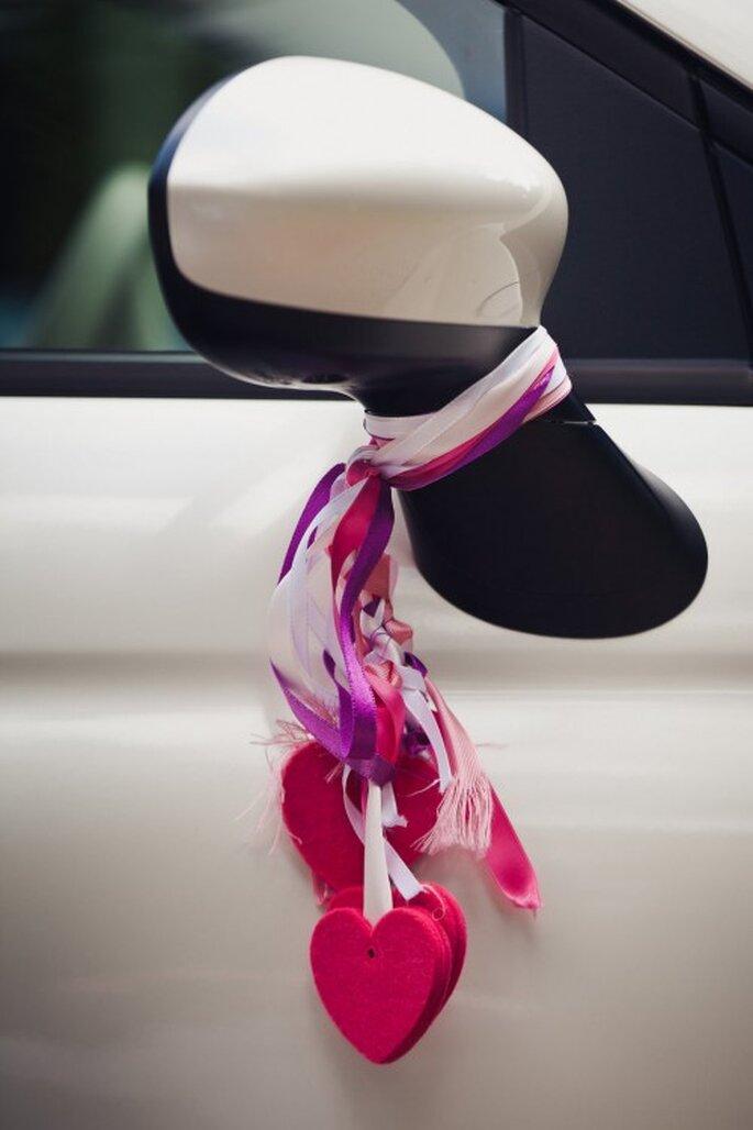 Auch das Auto können Sie mit pinken Bändern verzieren – Foto: j0Bmr
