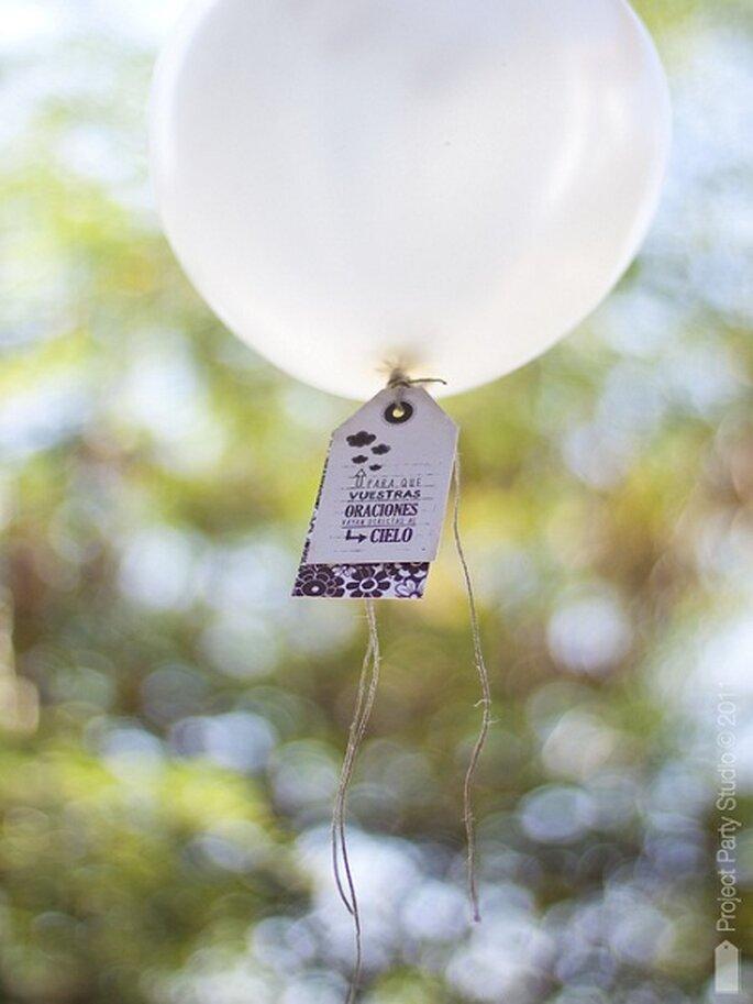 Globos con mensajes de buena suerte. Foto: Project Party Studio.
