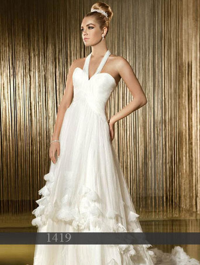 Robe de mariée Demetrios 2011 : Tulle - Traîne - Lacets dans le dos