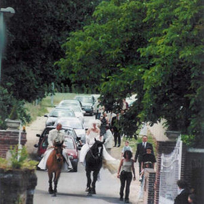 L'arrivée de jeunes mariés au Moulin de Bécheret