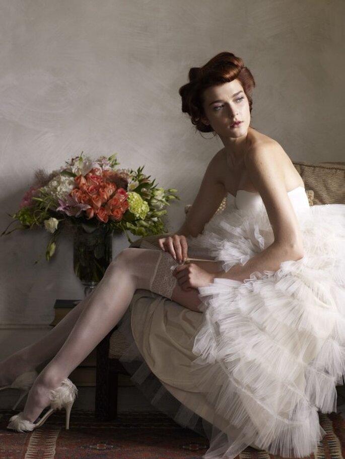 Strumpfband werfen für männliche Hochzeitsgäste – Foto: bhldn