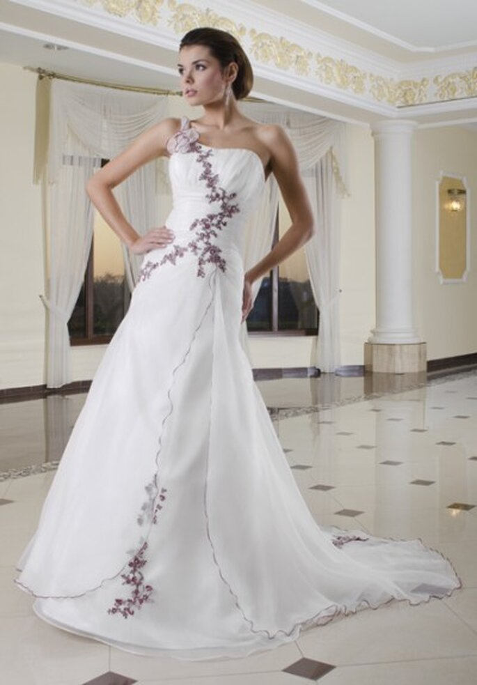 Suknie ślubne Classa 2012