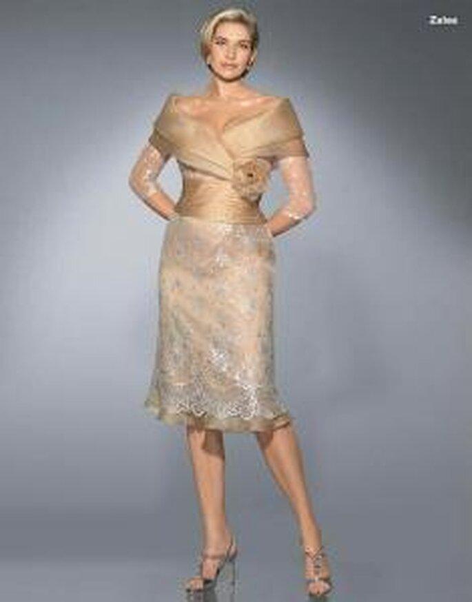 Pronovias Cóctel 2010 - Zalea, vestido corto de falda en encaje, cuerpo en satén, mangas 3/4 en encaje