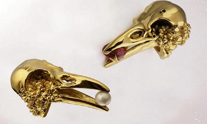 I corvi nelle sue forme simboleggiano anche un bouquet. Foto: Gisele Ganne.
