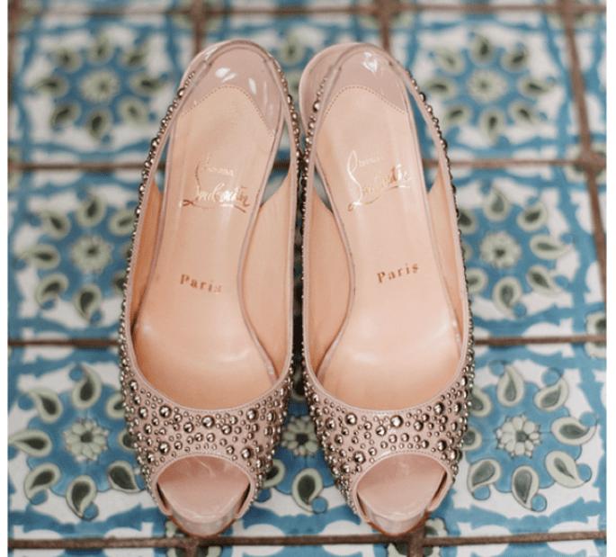 Presume tus increíbles zapatos de novia en lindas tomas - Foto Elizabeth Messina