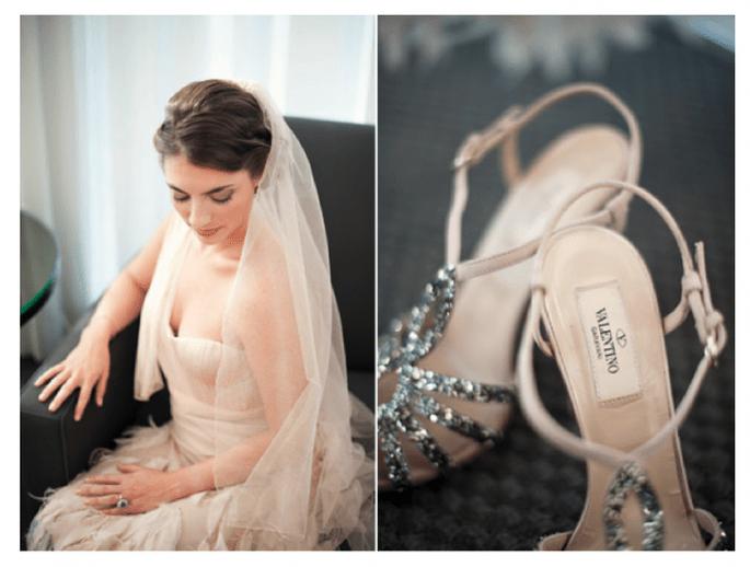 Zapatos de novia en tendencia con brillos y aplicaciones - Foto Justin & Mary