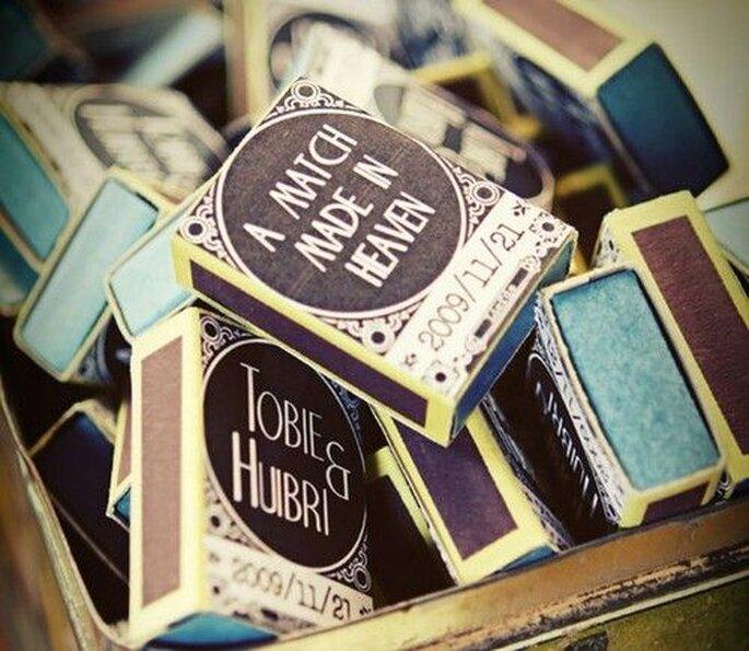 Des boîtes d'allumettes comme cadeau souvenir pour les invités de votre mariage