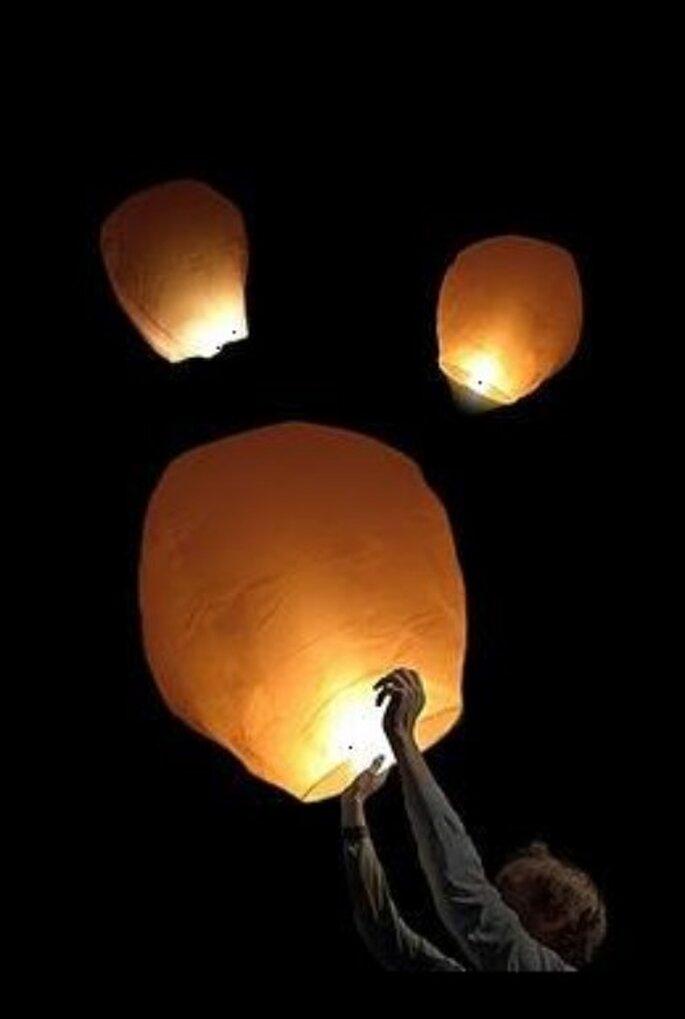 Envol de lanterne - 1001lanternes.fr