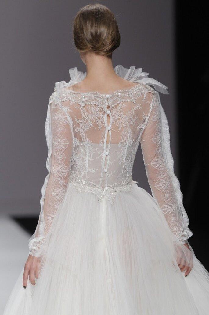 Vestidos de novia primavera 2015 con mangas largas - Foto M&M