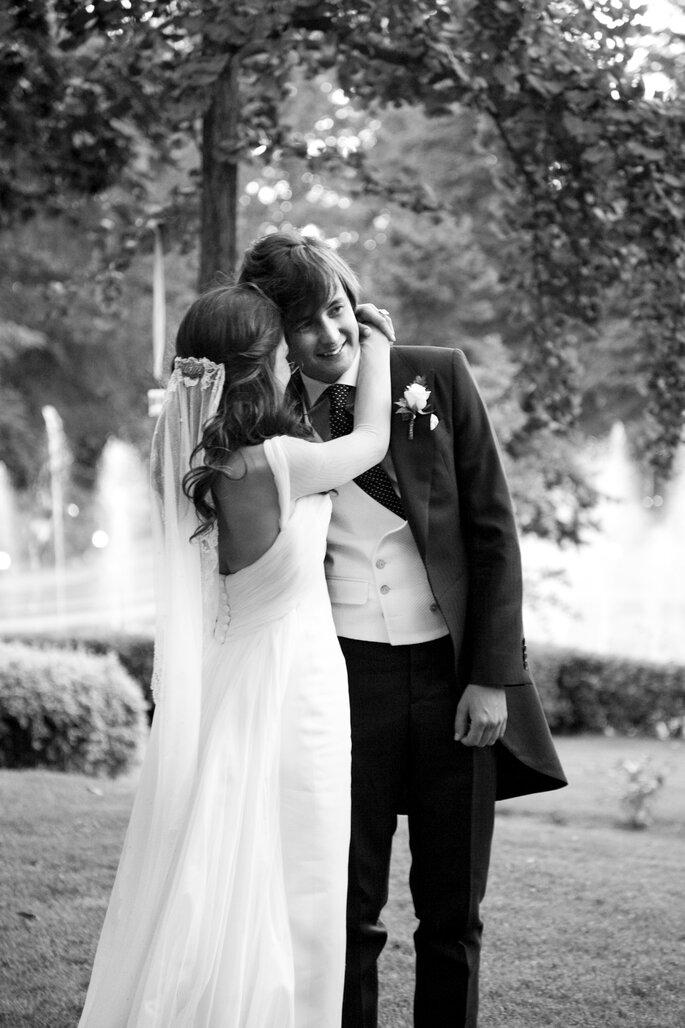Paula con su marido durante la celebración de la boda. Foto Click10