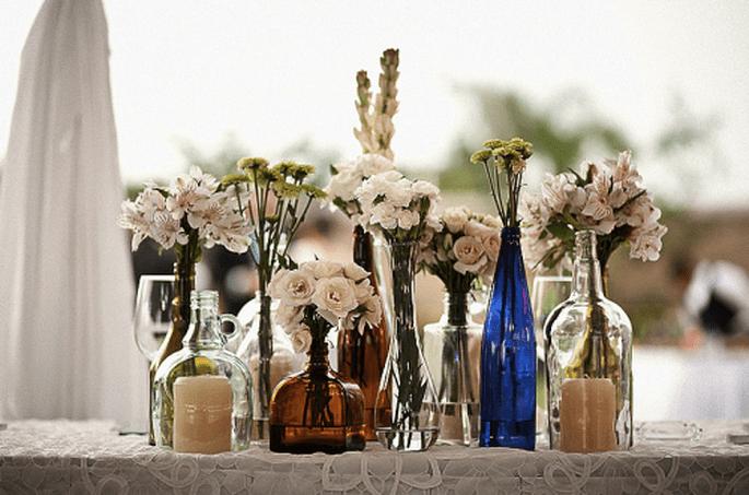 Centros de mesa en color azul para boda 2013. Fotografía Alberto del Toro