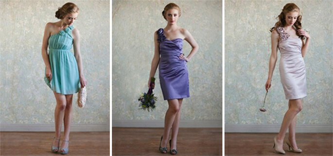 Vestidos cortos de un hombro en colores brillantes para una boda - Foto: Ruche