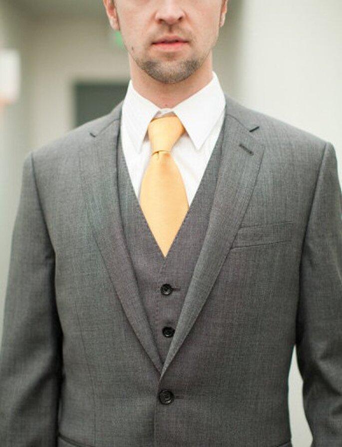 Grau und Dunkelblau sind die Trendfarben bei Anzügen – Foto: Yan Photo
