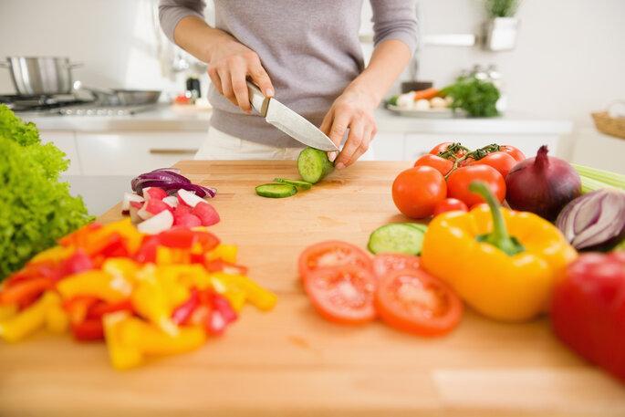 Eventos sociales, bodas y comidas fuera: Tips para cuidar la dieta - Shutterstock