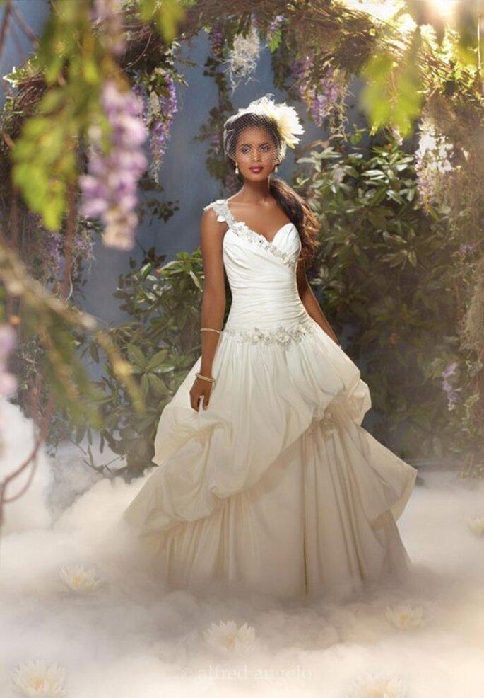 Vestido de novia inspirado en Tiana - Foto Alfred Angelo