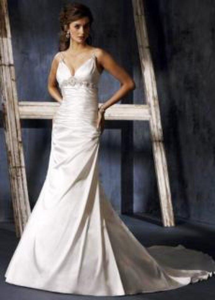 Maggie Sottero 2010 - Aliyah, vestido largo en seda, de cuerpo ceñido, con cristales Swarovski