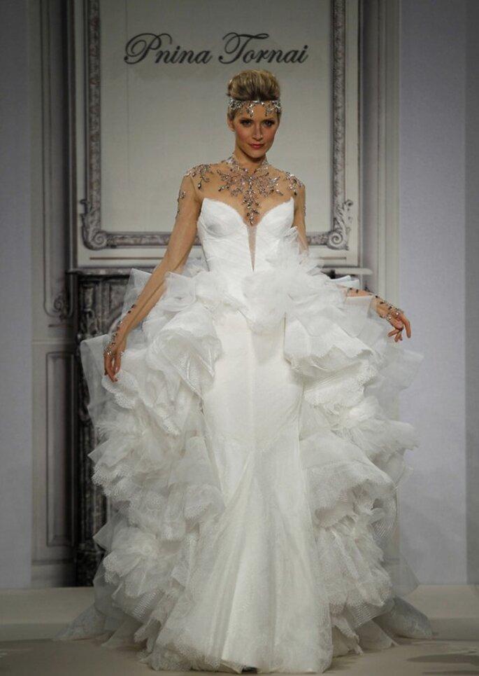 Vestido de novia con lindas joyas incorporadas - Foto Pnina Tornai