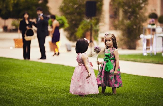 Kinder süss gekleidet für die Hochzeit. Foto: Fran attitudefotografia.com
