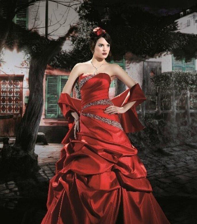 Robe de mariée rouge MP 123-17 - Miss Paris - The Group 2012