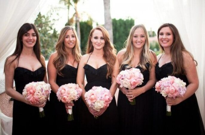 Vestidos de dama de boda en color negro - Foto Amsale Bridesmaid Facebook