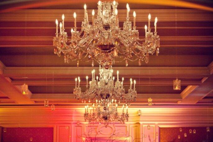 Decoración de boda con elegantes candelabros - Foto La Dolce Vita Studio