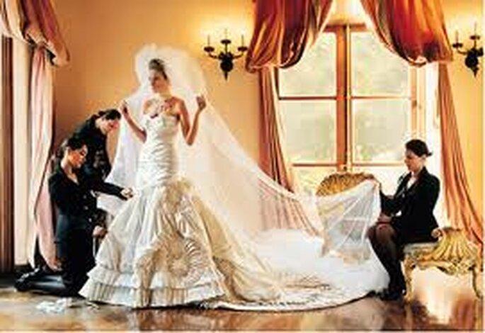 Momento en que una novia famosa se alista para su boda. via style.com