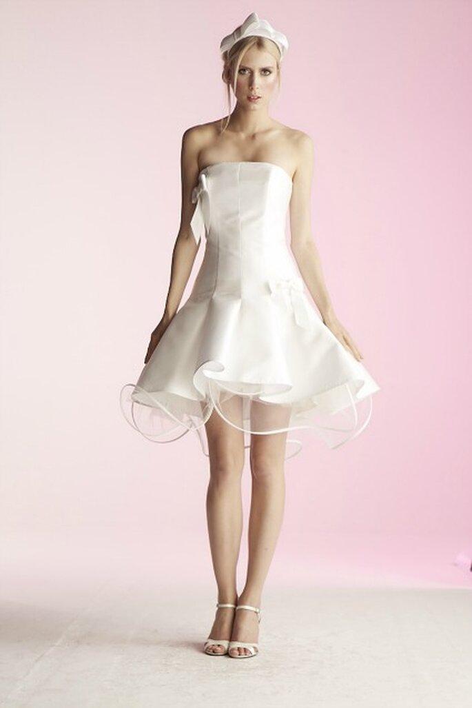 Robe de mariée courte Suzanne Ermann, modèle Citadine - Photo : Suzanne Ermann