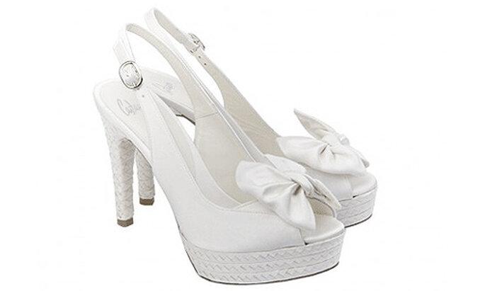 Los zapatos son un elemento clave para toda novia. Foto: Castañer
