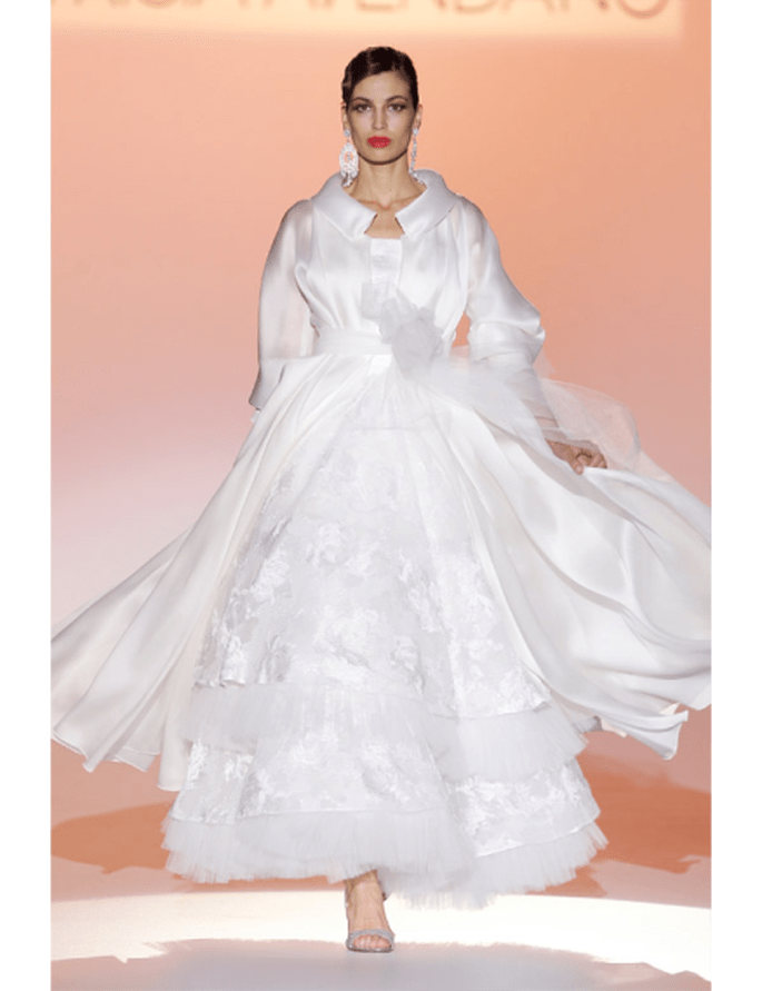 Bild 6 Brautkleider Kollektion Patricia Avendano 2012