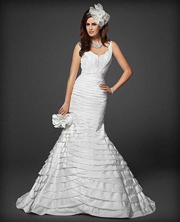Vestido de novia de un hombro y en capas - Foto: Colección Rami Kashou para Bebe