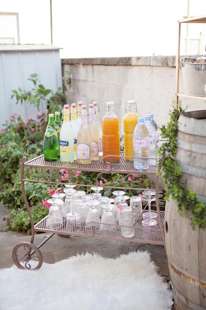 Barra de bebidas sin alcohol para tu boda - Anne Herbert Photography