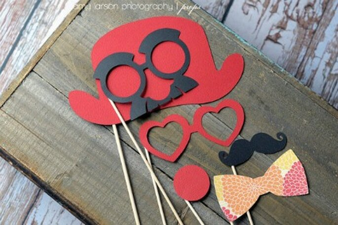 Accessoires pour le photobooth - Etsy.com Circus Photobooth Props on a Stick By LittleRetreats