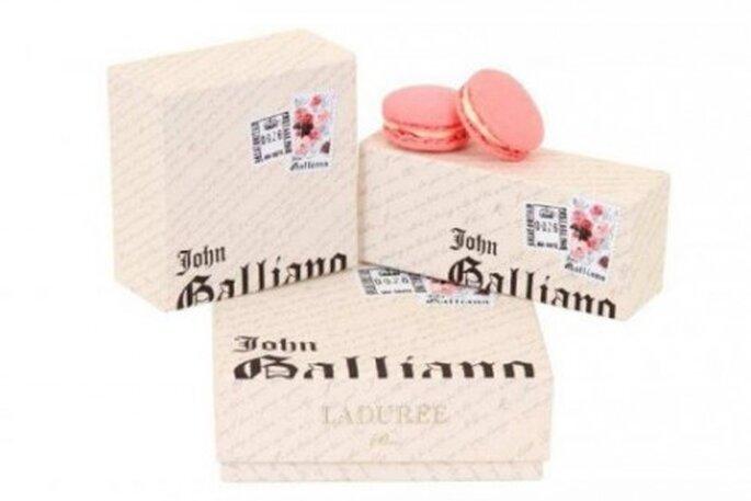 Macarons Ladurée par John Galliano