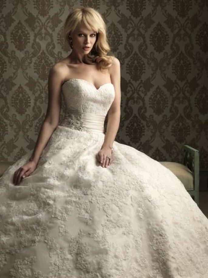 Allure Bridals Brautkleidkollektion 2013 - Brautkleid 8850
