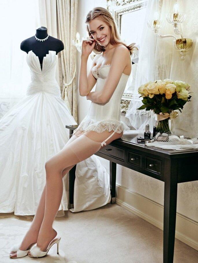 Todo lo que debes saber sobre como elegir la lencería de novia - Foto Danil Golovkin