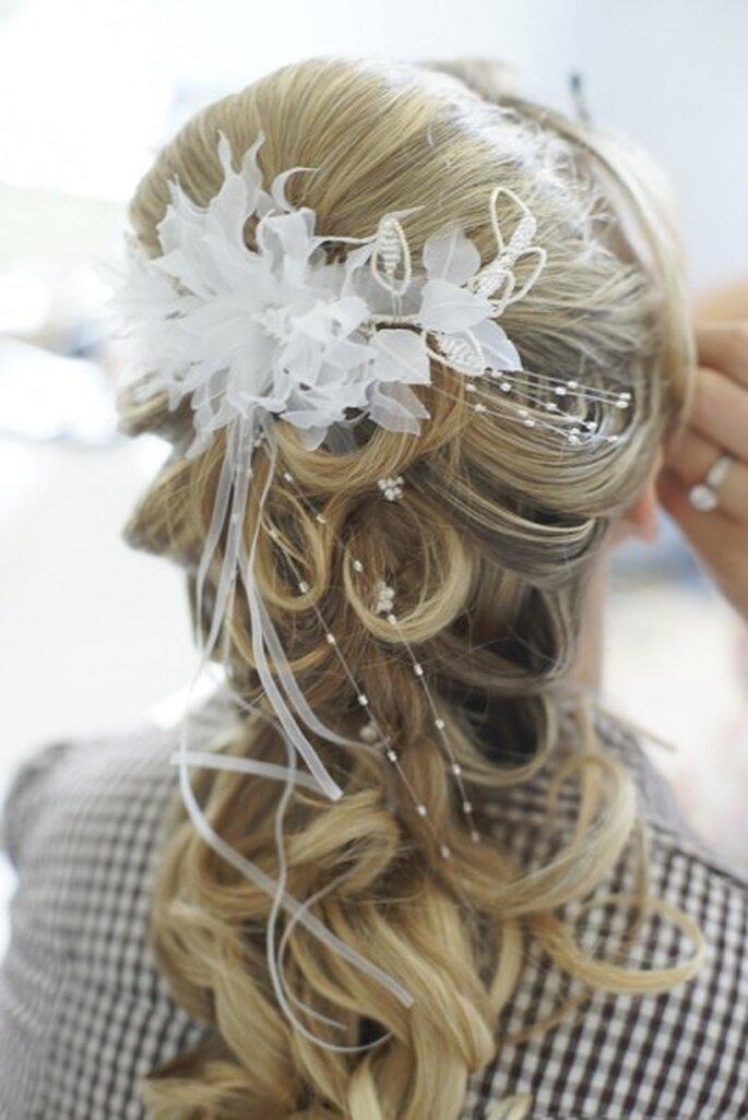 Brautfrisur mit halb hochgestecktem Haar - Foto: Gabriele Wundenberg www.yourphoto.de