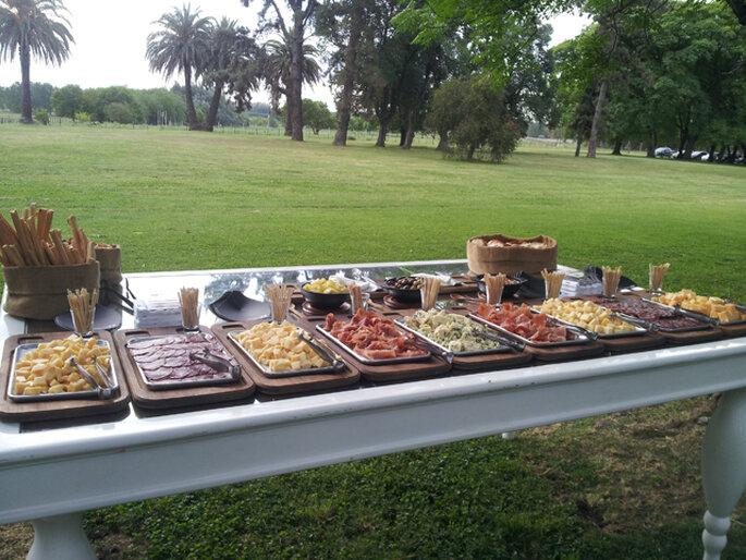 Menú en un boda al aire libre. Foto: Se Cuecen Habas