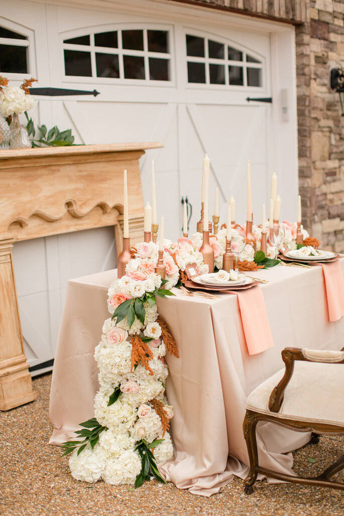 Decoración de boda en color rose champagne - Foto Katelyn James Photography