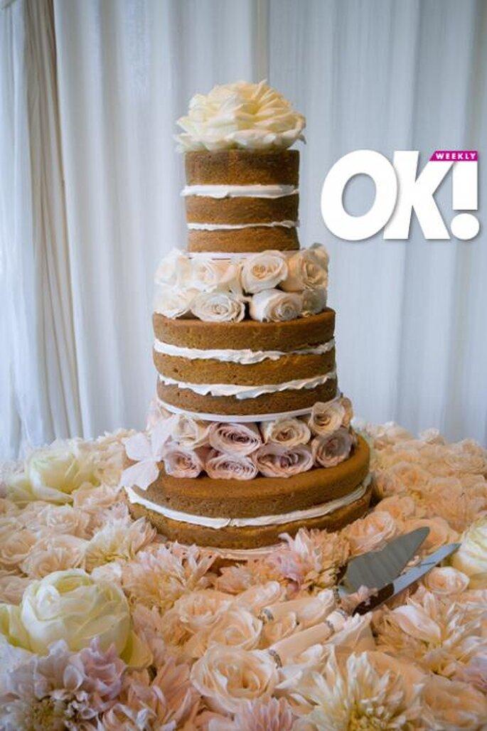 Pastel de boda desnudo. Fotografía OK MAGAZINE HILLARY DUFF´S WEDDING