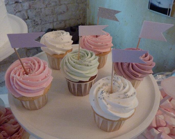 I cupcakes sono un'idea originale per chi cerca un'alternativa alla classica wedding cake! Foto: Etsy cupcakes
