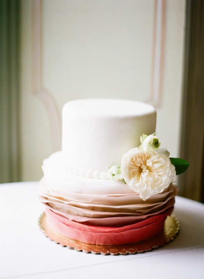 Pasteles de boda que romperán esquemas en 2015 - Foto Caroline Yoon Fine Art Photography