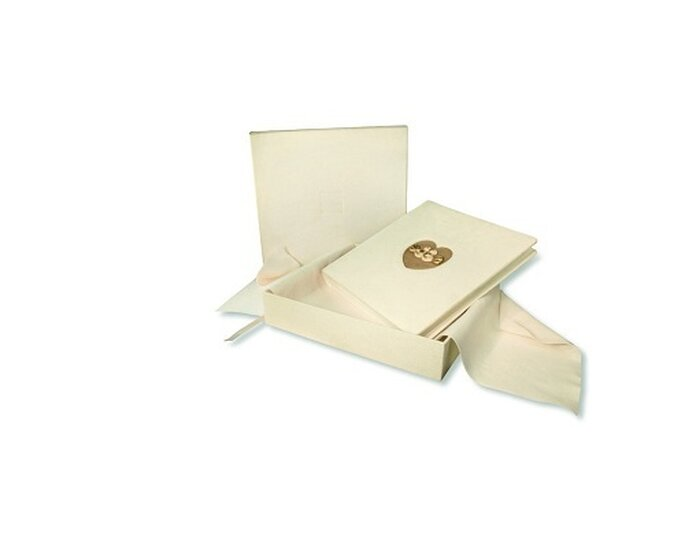 L'album di matrimonio Thun per custodire le immagini eterne del vostro amore. Foto: it.thun.com
