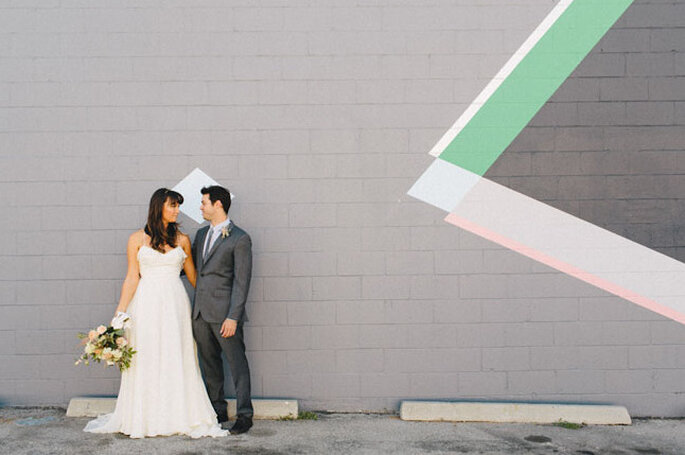 Decorazione di cerimonia nuziale con disegni geometrici. Foto: sweetlittlephotographs.com vía Green Wedding Shoes
