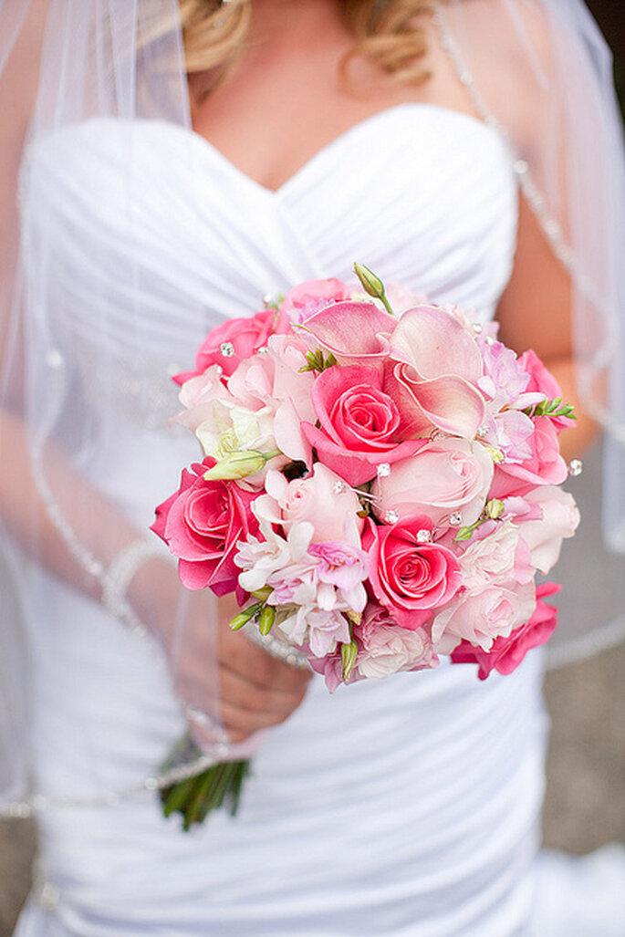 Ramo en tonos rosa para novias románticas. Foto: Gabriel and Clarin Photography