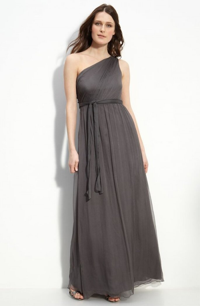 Vestido para dama de boda en color gris oscuro - Foto Nordstrom