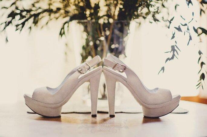 Rien de tel qu'un brin de fantaisie dans la tenue de la mariée. - Photo : Fran Russo