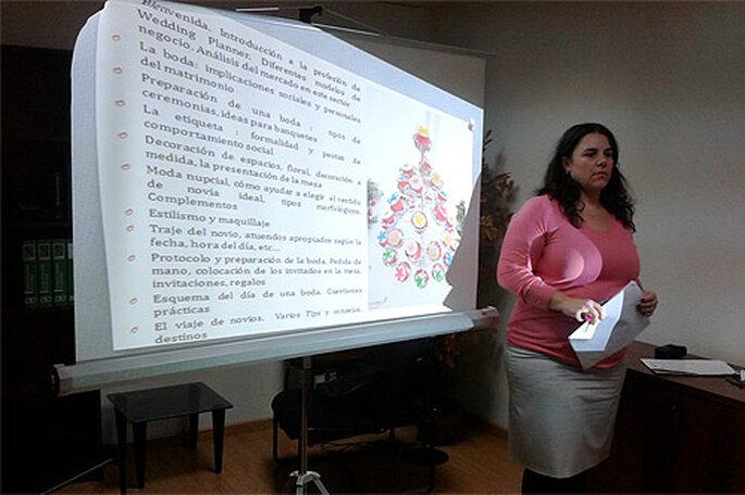 Concha Molina, durante uno de sus cursos para wedding planners. Foto: Concha Molina