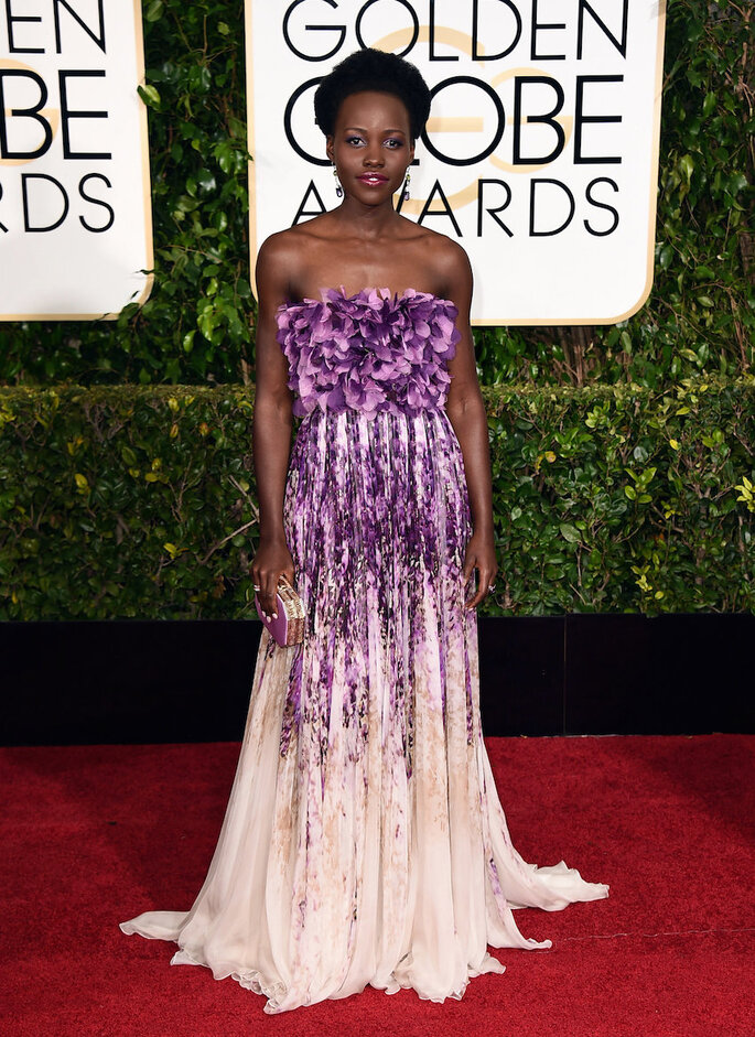 Las mejor vestidas de los Golden Globe Awards 2015 - Giambattista Valli (Lupita N'Yongo)
