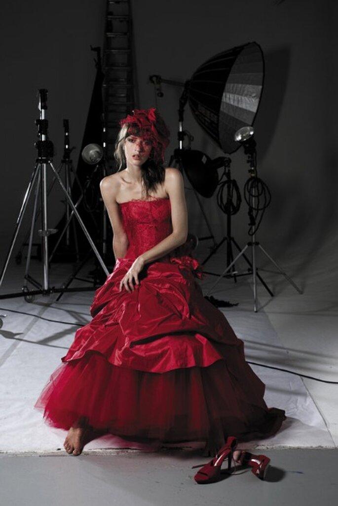 Robe de mariée rouge OUI 42 - Pour un Oui - Cymbeline 2012