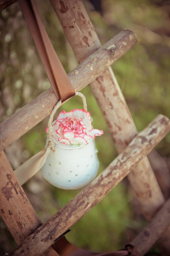 Decora tu boda con increíbles jarrones - Foto Sandra Hygonnenc